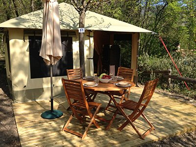 Bungalow toilé avec terrasse Camping Hérault